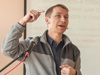Andrei Murzin teaching in Ukraine